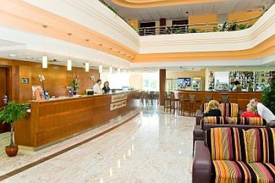 Lobby and reception in Airport Hotel Budapest**** - Airport Hotel Budapest**** - Discount hotel with free transport from the airport