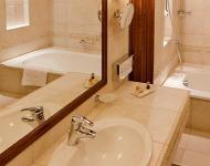 Andrassy Residence Hotel, wellness hotel in Tarcal, bathroom