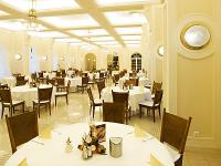 Restaurant in 4 star Anna Grand wellnesshotel in Balatonfured wellnessweekend in Balatonfured