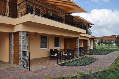 Appartamento di lusso aqua spa a cserkeszolo for Appartamenti con due camere matrimoniali