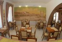 Hotel Arany Griff at discount prices, the hotel's restaurant in Papa