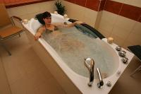 Hydromassage at the Balneo Thermal Hotel for a wellness weekend