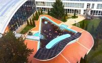 Hotel Beke - outdoor thermal water pool of the hotel in Hajduszoboszlo