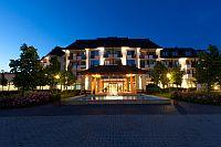 Greenfield Hotel in Bukfurdo - Spa thermal, wellness and Golf Hotel Greenfield in Buk, Hungary