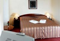 Elegant double room in Bodrogi Kuria at last minute rates