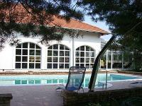 Castle hotel in Inarcs - outdoor pool in Bodrogi Kuria - wellness packages - Wellness Hotel Bodrogi