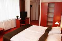 Discounted hotel room of Canada Hotel in Budapest with excellent location and free parking