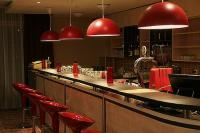 Elegant drink bar in Canada Hotel Budapest with free Internet access