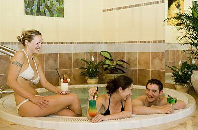 Jacuzzi in Club Tihany - wellness weekend at Lake Balaton in Tihany - Club Tihany Bungalows**** - Tihany - Lake Balaton
