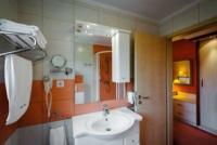 Superior double room with jacuzzi in Aqua-Spa Hotel Cserkeszolo