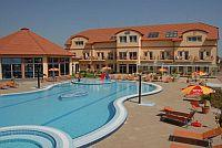 Outdoor experience pool of Aqua-Spa Hotel Cserkeszolo 4*