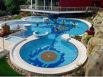 Piscina recreativa termal hotel aqua heviz termal hotel - Spa sant cugat ...