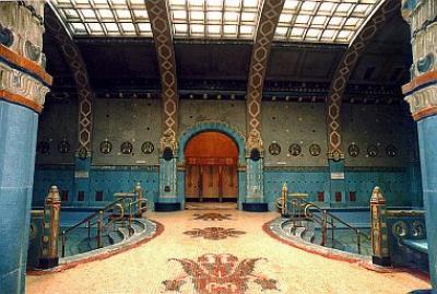 Bagno termale Gellert - Hotel Gellert Budapest - fine settimana a ...