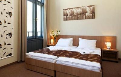 H tel erszebet kiralyne logement prix r duit for Hotels a prix reduits