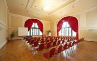Conference rooom for rent in Godollo in an elegant and silent surrounding close to Budapest