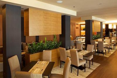 Hotel Sheraton - restaurant of the Kecskemet hotel in a luxury ambience at affordable price - Sheraton Hotel**** Kecskemet - Four Points by Sheraton Kecskemet Hotel at affordable price