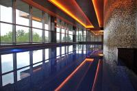 Piscina nuoto al Four Points by Sheraton Hotel a Kecskemet