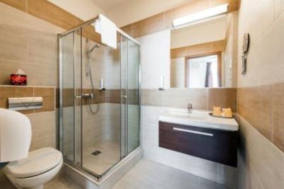 Garzon Plaza Hotel Győr - bathroom in the 4-star Garzon Plaza Hotel