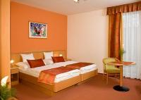 Gyor hotels - Apartment and 3, 4-star hotel Kalvaria in Gyor - hotel room