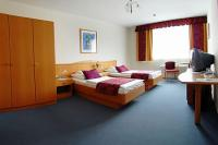Online hotel booking in Gyor - twin room in Hotel Kalvaria