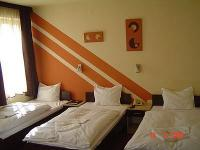 Agoston Hotel Pecs - elegant  room with 3 beds in the center of Pecs at discount price