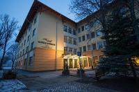 Alföld Gyöngye Hotel in Gyoparosfurdo-Oroshaza with entrance tickets to the bath for a wellness weekend