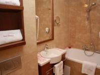 Elegant bathroom in The Three Corners Hotel Bristol - 4-star hotel near Arena Plaza shopping center