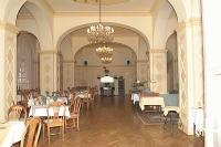Yellow Hall in Hotel Park Eger - restaurant - 4-star hotel