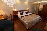 Discount accommodation in Buda near Elizabeth Bridge - Gold Hotel Wine & Dine