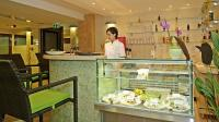 Wellness Hotel Gyula - Vitamin Bar awaits the guests seeking recreation.