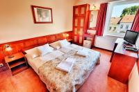 Cheap hotel room in Hotel Irottko in Koszeg - double room