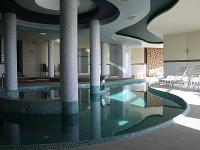 Swimming pool in the wellness centre of Hotel Kikelet in Pecs