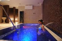 Light-therapy whirlpool in Wellness Hotel Kodmon in Eger