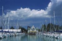 Hajókikötő Balatonkenesén - Yacht kikötő - Balatonkenese