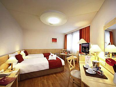 Mercure Budapest City Center - antiallergic hotel room in the centre of Budapest close to Elizabeth bridge - Mercure Budapest City Center**** - in the most famous pedestrian street Budapest