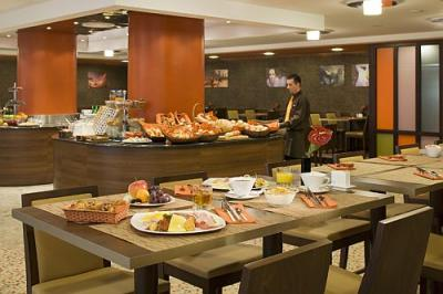 Breakfast in Mercure Budapest City Center - Mercure hotels in Budapest - new Mercure hotel in Budapest - Mercure Budapest City Center**** - in the most famous pedestrian street Budapest