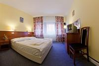 Hotel Palatinus - cheap accommodation in the historical downtown of Sopron - superior double room