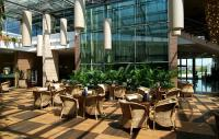 Ramada Resort Aquaworld Budapest - the winter garden of the hotel