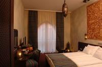 The 4-star hotel Fabulous Shiraz awaits its guests with comfortable doublerooms in Egerszalok