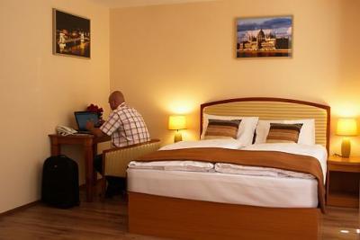 Six inn hotel chambre belle et l gante internet gratuit for Hotels a prix reduits