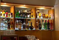 Six Inn Hotel drinkbar with coctails and drinkspecialities in Budapest