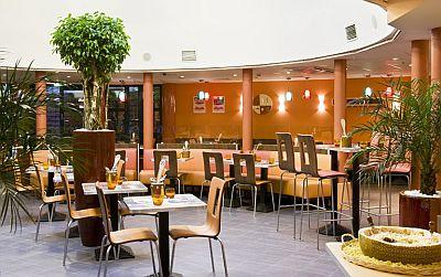 Hotel ibis Heroes Square Budapest - in the centre of Budapest - Hotel Ibis Heroes Square*** Budapest - Ibis Hotel in Dozsa Gyorgy street in Budapet at good price