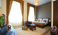 Elegant premium double room in Ipoly Residence Balatonfured