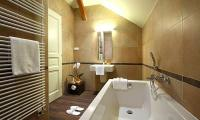 Holidays at lake Balaton in Hotel Ipoly Residence Balatonfured A nice and capacious bathroom