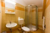 Hotel Juniperus renovated, beautiful bathroom in Kecskemet