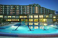 Hotels in Zalakaros - 4-star Hotel Karos Spa and Karos Spa Aparthotel - the hotel building by nightlight