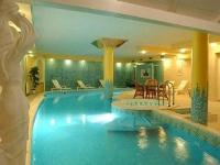 Hotel Korona with wellness services and discount packages in Eger