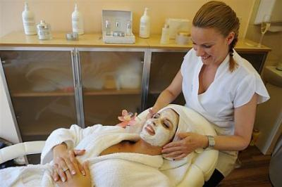 Cosmetic salon of Wellness Hotel MenDan with beauty treatments in ...