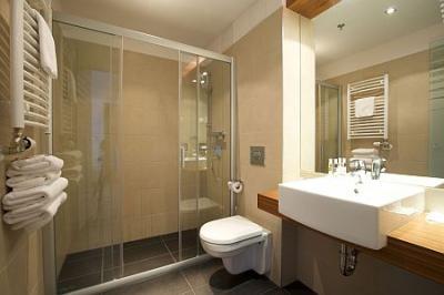 Salle de bains à l\'Hôtel Museum - hôtel 4 étoiles à Budapest