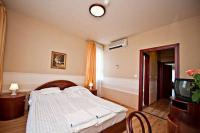 Elegant hotelroom at the country, in Hotel Panorama Bekescsaba, close to Gyula